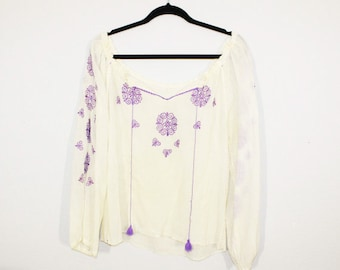 Vintage Embroidered 70s Vintage Peasant Blouse, hand made.