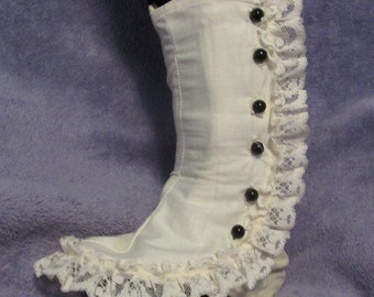 Lacy Lolita Spats