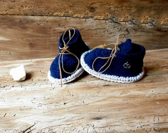 Crocheted baby boy booties, Baby shoes, Newborn boy or girl booties, wool slippers, handmade baby clothes, knitted baby clothes
