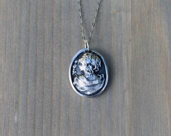 Cameo Lady fine silver pendant