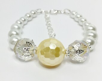 Lemon Pearl Bracelet Crystal Bridesmaid Jewelry Yellow Bridal Bracelet Lemon Bridesmaid Gift Mother of the Bride Gift Wedding Bracelet
