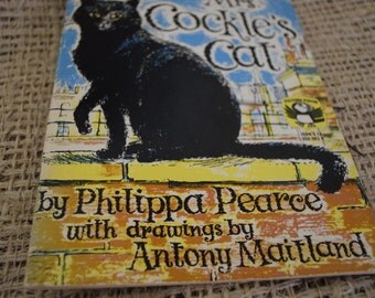Mrs Cockle's Cat. Philippa Pearce. Illustrations by Antony Maitland. Vintage Puffin. 1974