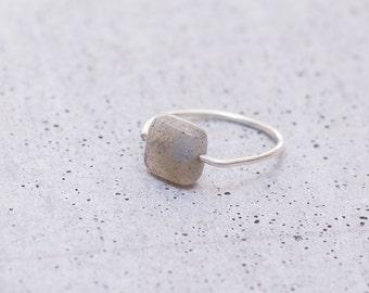 925 Stelring Silver Ring CANADA Natural Labradorite gemstone
