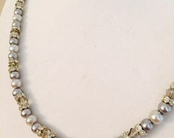 Gray-Silver light and darkpearls / Glittery crystal spacers / Gray sparkly bicone / Classy handmade necklace / FREE EARRINGS