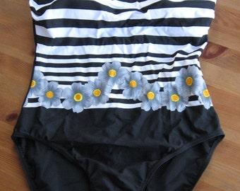 One piece SWIMWEAR retro SWIMSUIT vintage elagant pattern 1980s beach costume