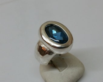 925 Silver ring with Blue Crystal stone 17.2 / size 6.8 SR499