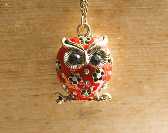 """Vintage Necklace """"Athene"""" with Red Owl"""
