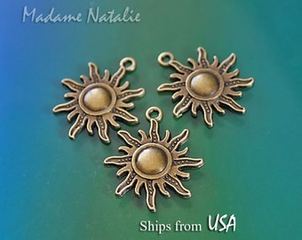 Bronze Sun Charms (4), Bronze Tone Sun Pendant, Radiating Sun Charms, Summer Sun Pendants, Sunshine Charms, Celestial Jewelry Findings