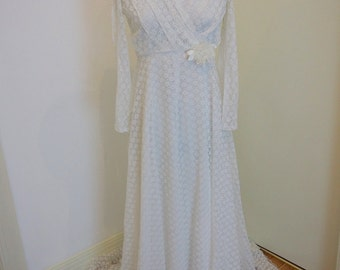 Stunning A-line Lace Long Sleeve Vintage Wedding Dress Size 12