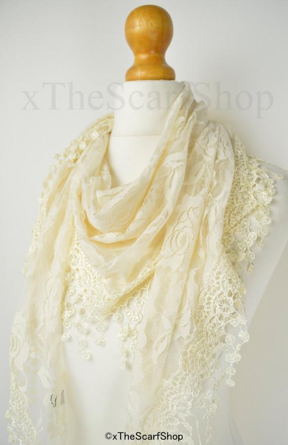 cream lace backgroundseriano rose - photo #1
