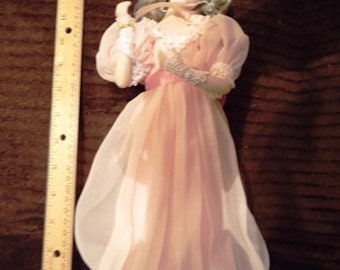 Dainty Bess Doll by Franklin Mint
