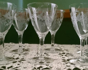 "Javit Hand-Cut Crystal ""Fragrance"" Pattern, Small Wine Glasses"