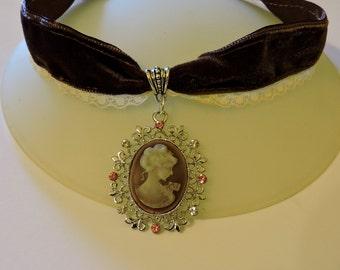 Brown Velvet Choker, Cameo choker, Victorian woman cameo choker, Steampunk choker, Victorian Wedding Collar,Victorian Jewelry,Classic lolita