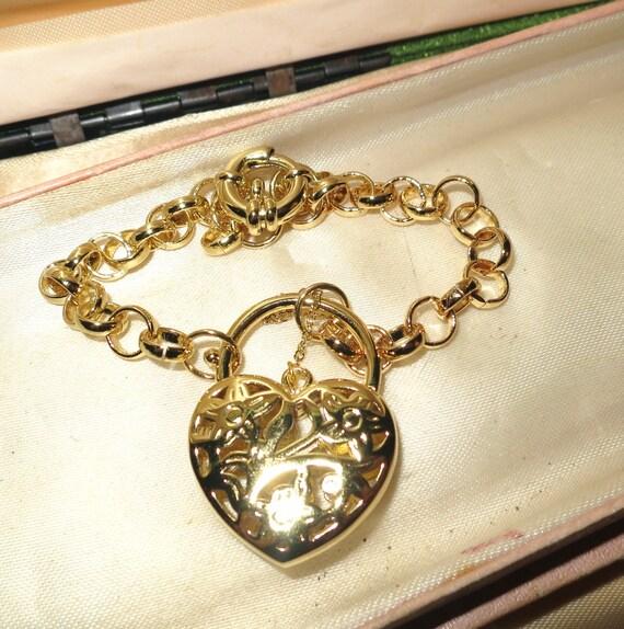 "Gorgeous 18 ct  yellow gold plated belcher heart locket bracelet 8"""