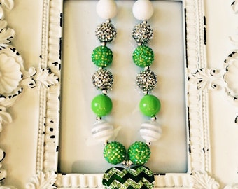 Green heart, green chunky bead necklace, green heart necklace, girls green chunky bead necklace, green necklace, st patricks day necklace