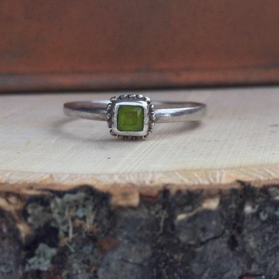 Vintage Peridot Ring Minimalist Dainty Boho Hippie Sterling