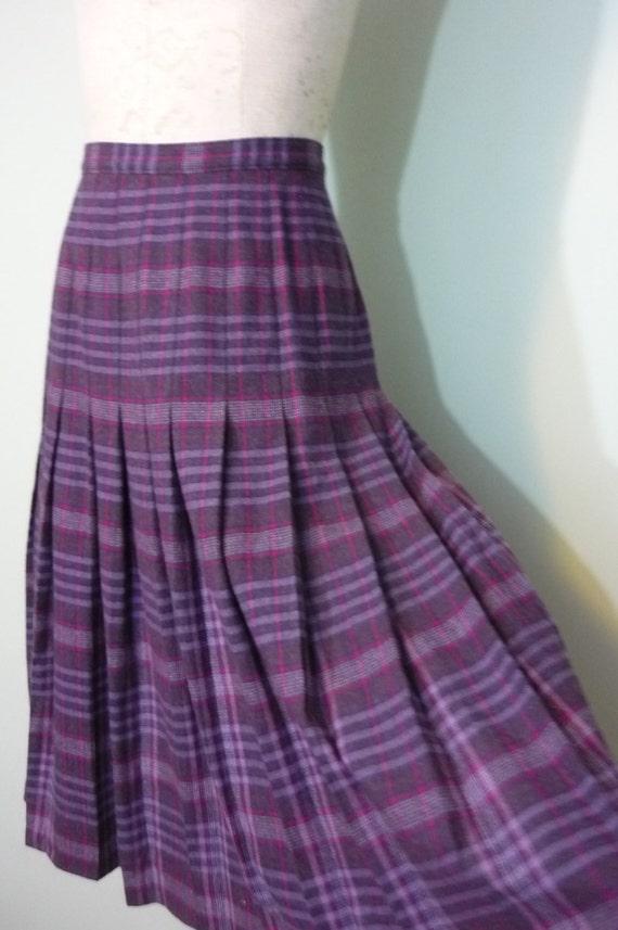 1970s Pendleton Wool Skirt / Preppy, Collegiate, Co-Ed Style / Knee Length Purple Plaid / Modern Size Medium M to Large L