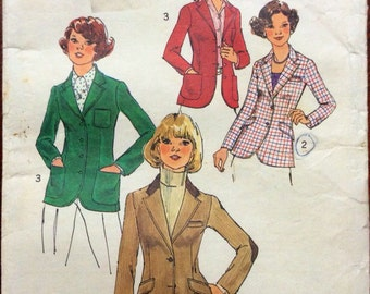 1970s sewing pattern Simplicity 7113 70s blazer jacket Size 12 Bust 34 notch collar, lined, princess seam, flap or welt pockets, equestrian