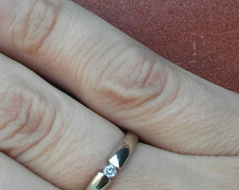 Vintage 14k White Gold Petite Diamond Ring
