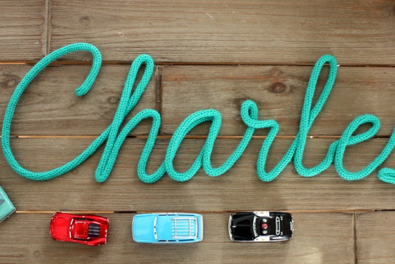 Pr nom ou mot en tricotin la lettre d coration murale - Lettre murale decorative ...