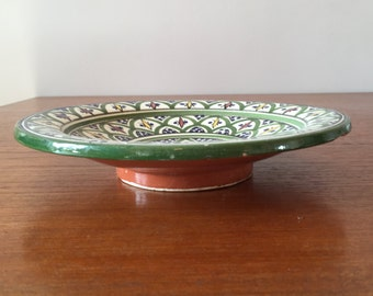 Crafted plate (Pottery)