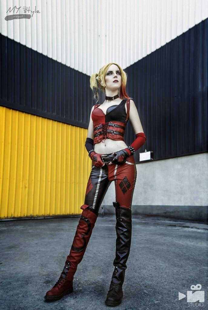 Harley Quinn cosplay costume Joker girl Batman DC comics