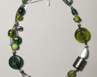 Necklace olive VILMA