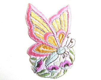 Applique, butterfly applique, 1930s vintage embroidered applique. Vintage floral patch, sewing supply. #642GC1K6
