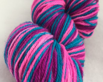 Self-striping sock yarn // Buckleberry