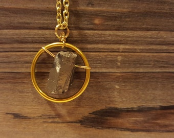 Silver Luster Quartz Crystal Circle Necklace