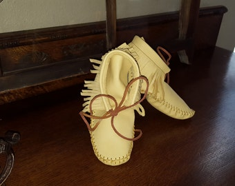 moccasins,boots,shoes,slippers,handmade,leather