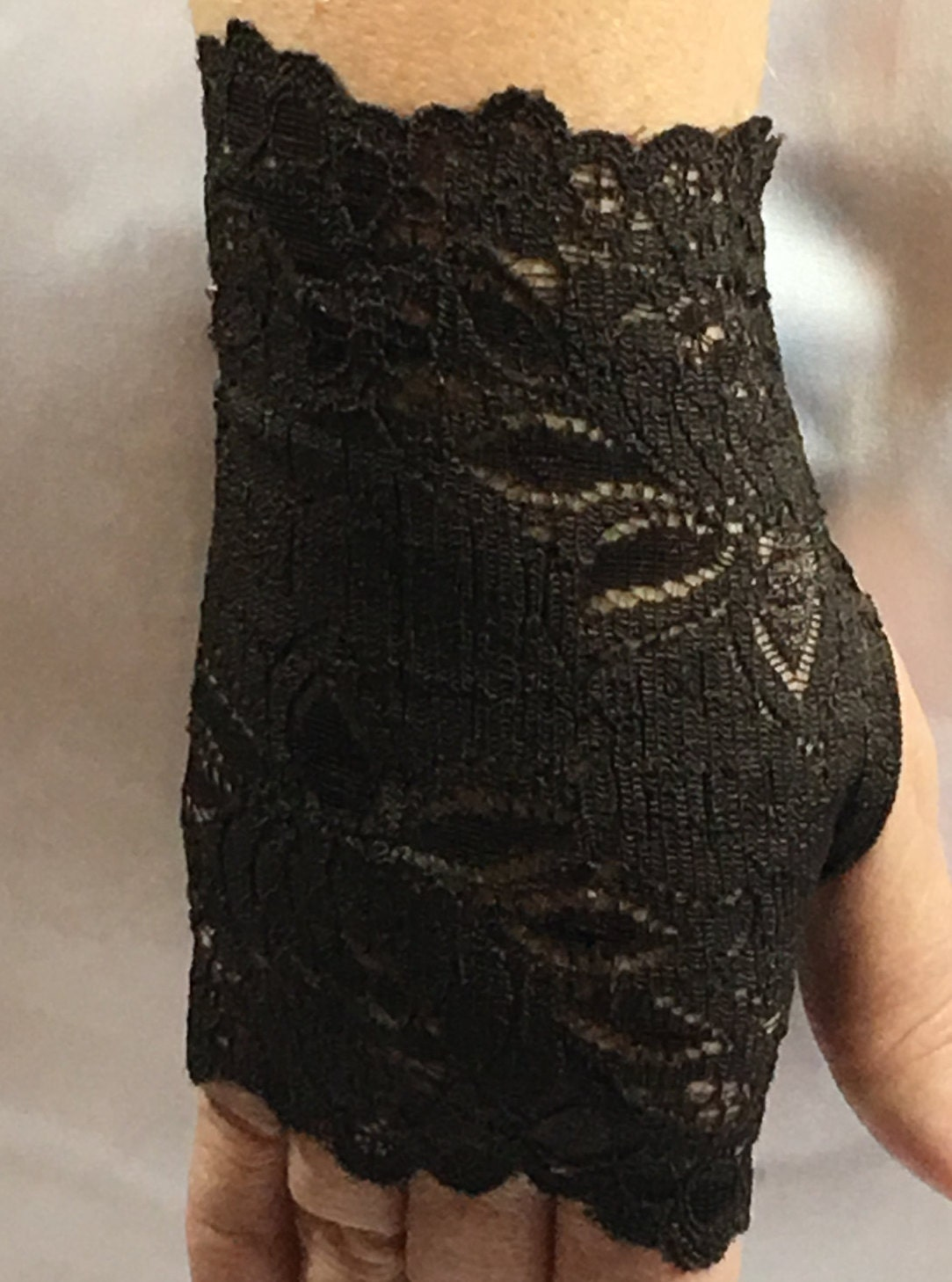 Brown lace fingerless gloves wrist accessories boho tattoo for Lace glove tattoo