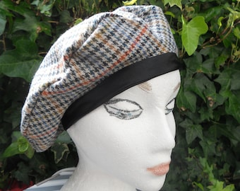 Beret in check