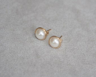 8mm Freshwater pearl stud earring with 14K gold filled wire wrapped. Handcrafted earrings. Off white pearl stud. Bridesmaid. Mother's day
