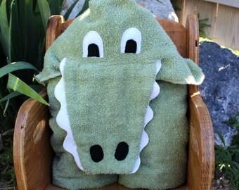 Hooded Alligator Towel, Hooded Towel, Alligator Bath Towel, Beach Towel,  Jungle Towel, Handmade and Ready To Ship ,Jungle Bathroom