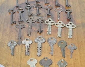 Lot of 28 Skeleton Keys, Antique Keys, Vintage Keys, Ghost Keys