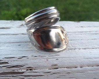 "Silver ""bubble"" spoon ring"