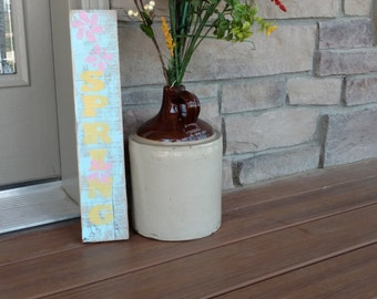 Vertical Wood/Pallet Decorative Spring Sign