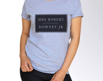 Robert Downey Jr T Shirt - White and Gray - S M L