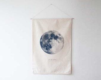 Howling Moon flag