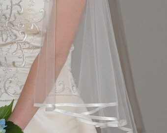 "34""/42"" Circle Veil with 1/4"" Folded Satin Ribbon Edge"