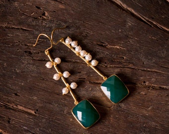 Elegance Danglers (Green) / 1012