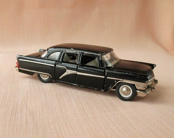 Russian Soviet Collectible Car model Chaika GAZ-13 1:43 Diecast Toy vintage Scale Model Toy car Made in the USSR