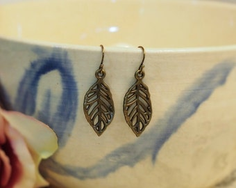 Leaf Vein Earrings / Woodland Nature Inspired
