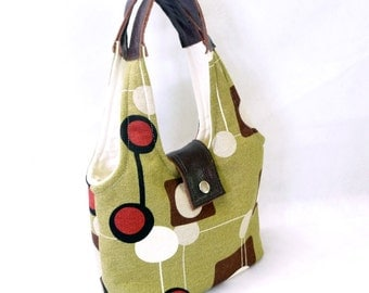 Modern Circle Handbag with Leather Accents, Casual Style in Olive Green Geometric Fabric