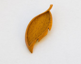 Leaf - Brooch Blank - Blank Mounting - Handcrafted by ArtBASE - Mahogany Wood -  28 x 73 mm Cavity - (D102-M)