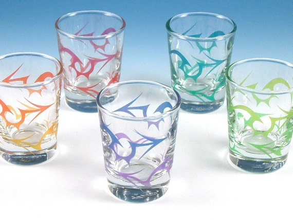 Tribal Arrows Shot Glasses - Set of 5 - Inlaid Style - Etched and Painted Glassware - Custom Made to Order