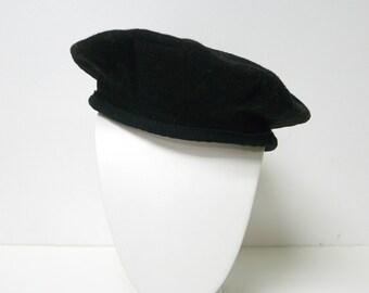 vintage black 100% wool beret . size 6 7/8