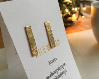 Gold Bar Stud Earrings, Hammered Gold Earrings, Gold Bar Earrings, Gold Earrings, Metalwork Jewelry, Modern Bar Earrings, Gold Post Earrings