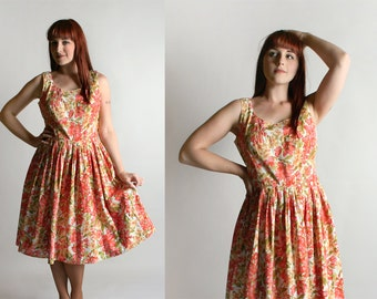 Vintage 1950s Floral Dress - Cotton Print Peach and Yellow Flower Print Day Dress - Medium Large
